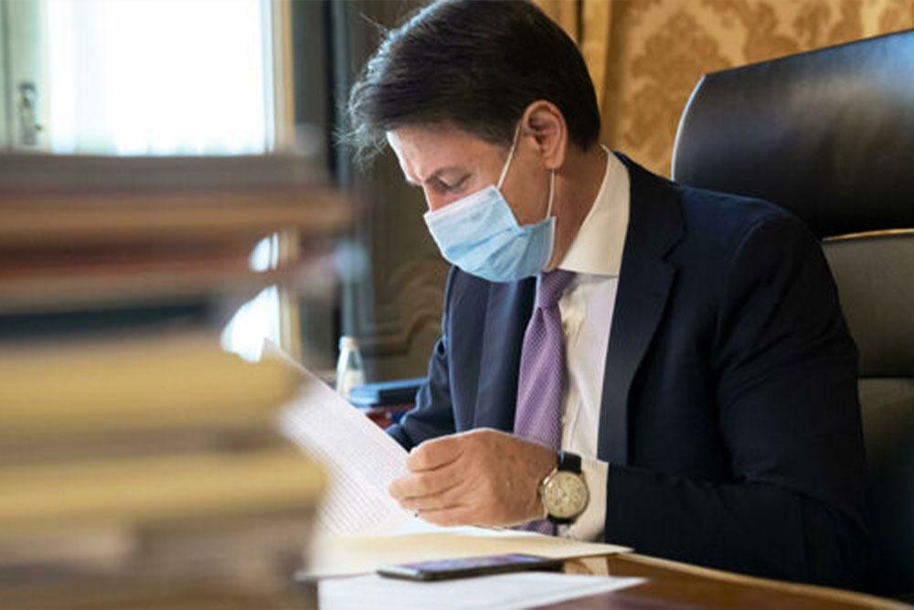 Decreto ristori siglato dal premier Conte per sostegni veloci e diretti
